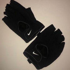 Nike Fundamental Weightlifting Gloves